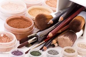 brushes, powder, eyeliners